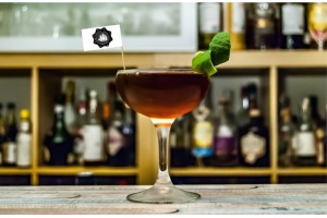 Stegulete scobitoare cocktail personalizate
